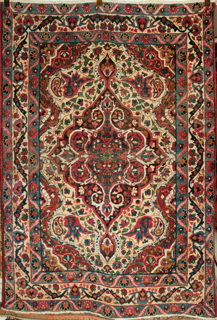 Fine Antique Kermanshan Rug