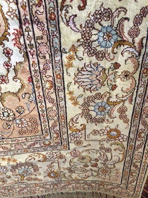 Tabriz Silk Carpet border