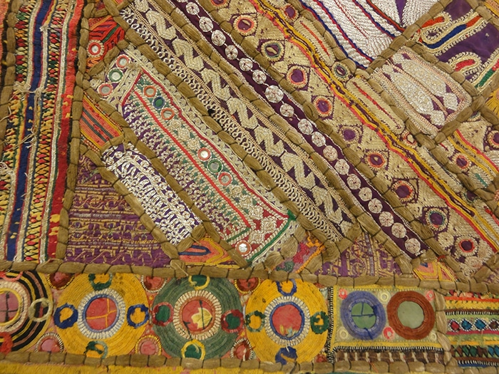 Embroidered Suzani Pillowcase | Rugs & More | Oriental carpets. 32350