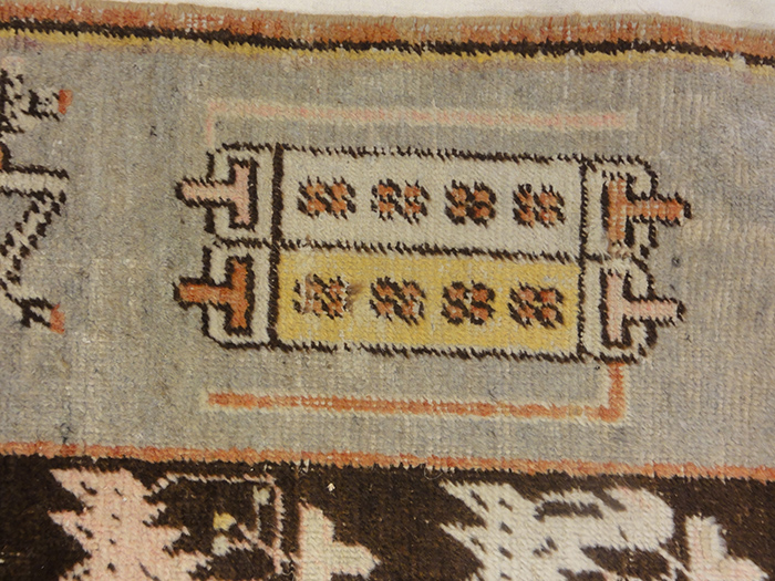 Oushak rugs beganjust south of Istanbul, Turkey, named after the town: Oushak. The Oushakcarpet is Persian-influenced unlike most Turkish rugs. The town of Oushak has produced Turkish rugs ever since the 15th century.
