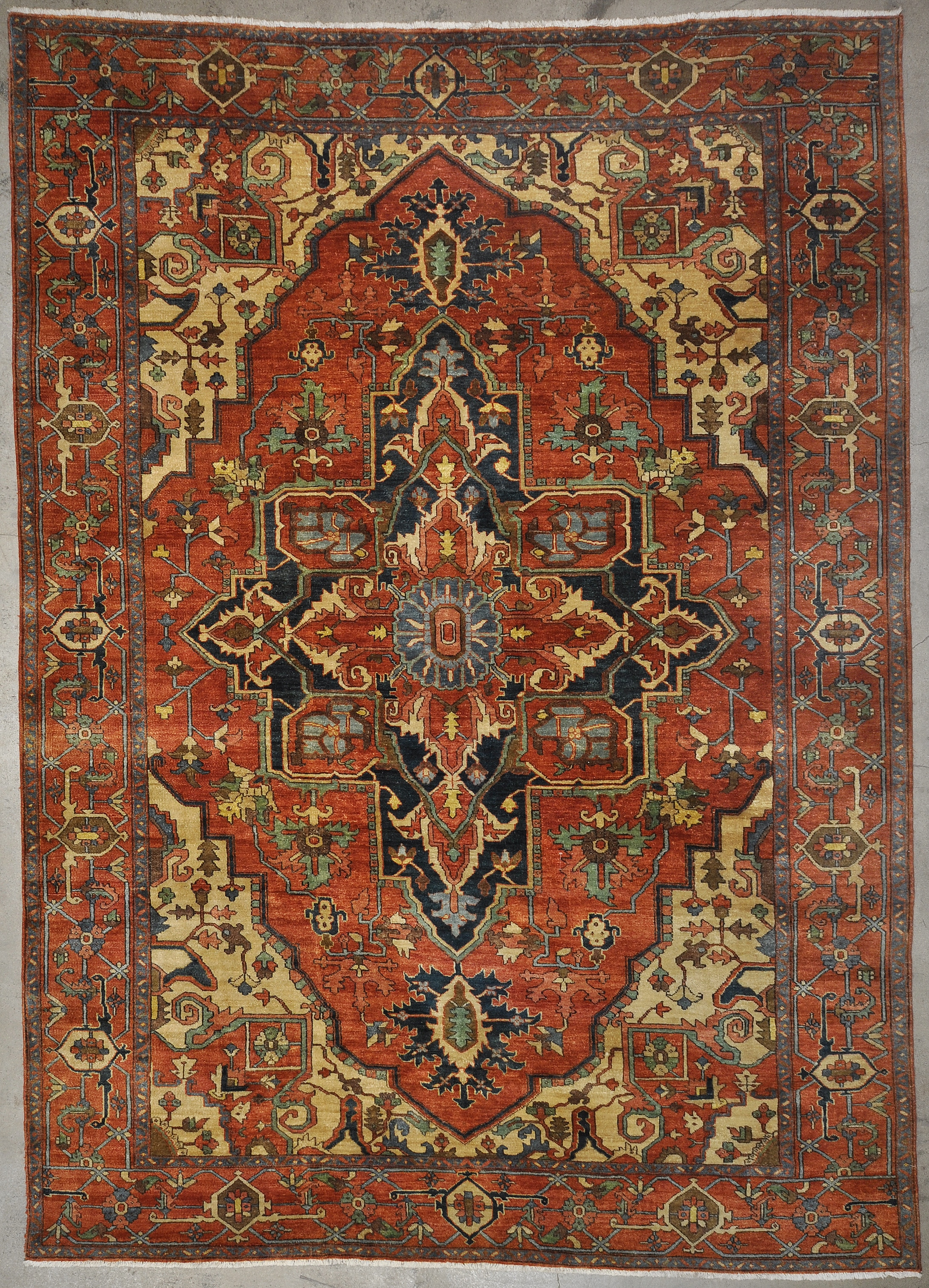 Antique Serapi Heriz rugs and more oriental carpet 33456-1