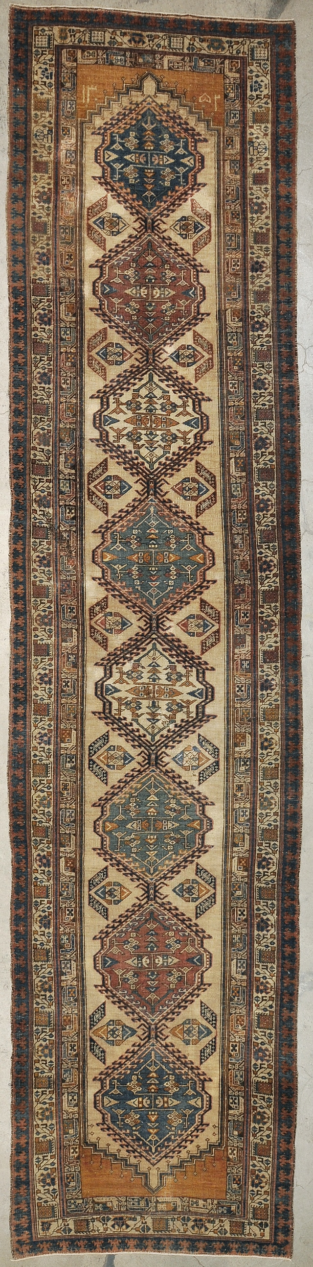 Antique Serab rugs and more oriental carpet 29875-