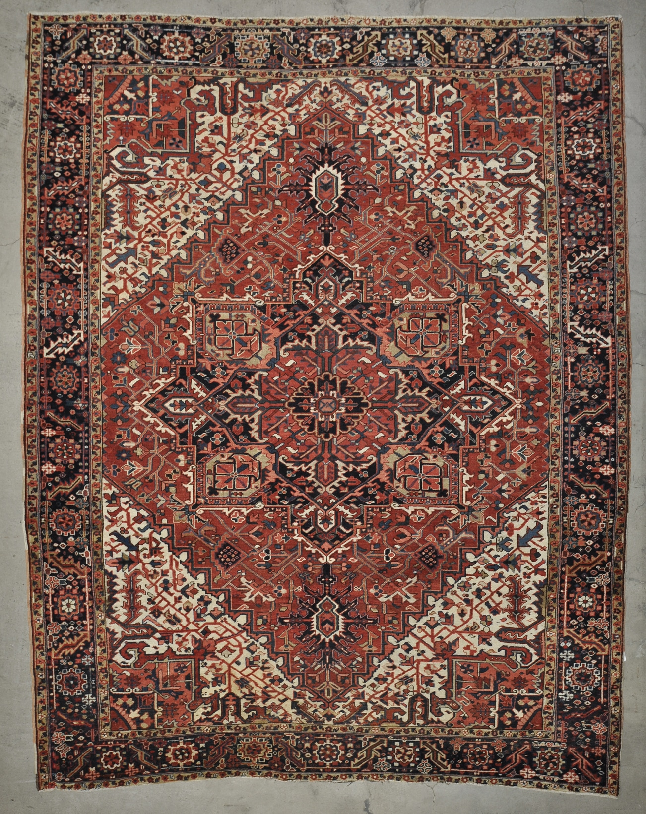 Serabi Heriz Antique rugs and more oriental carpet 33679-