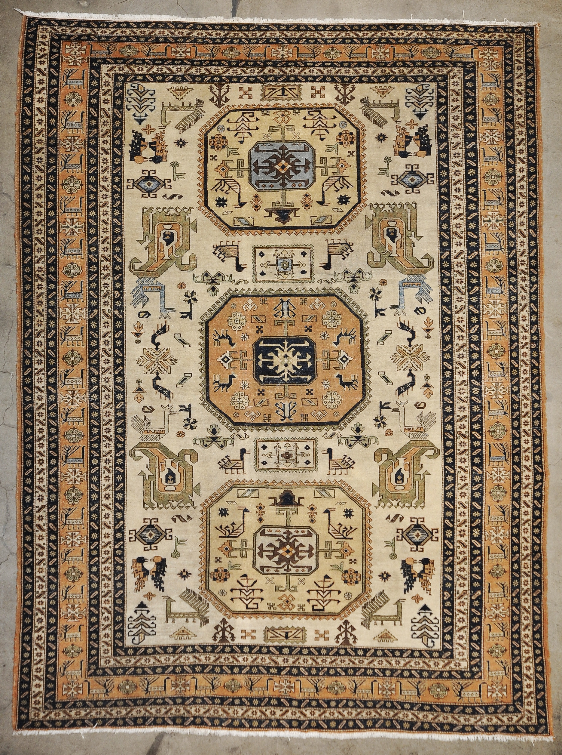 Antique Caucasian Design rugs and more oriental carpet 33686-1