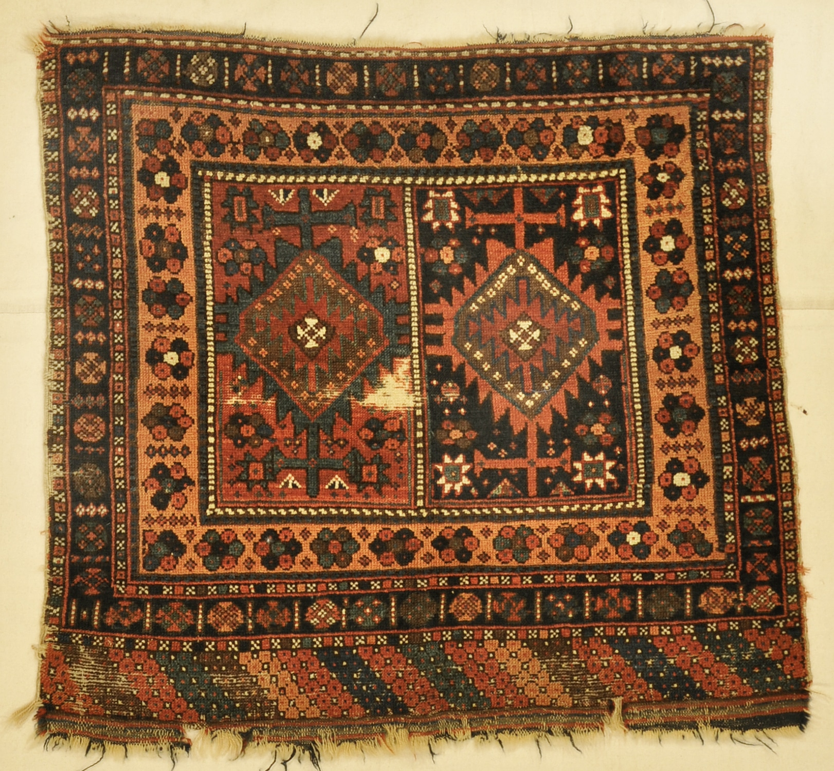 Kurdish Juval rugs and more oriental carpet 33835-