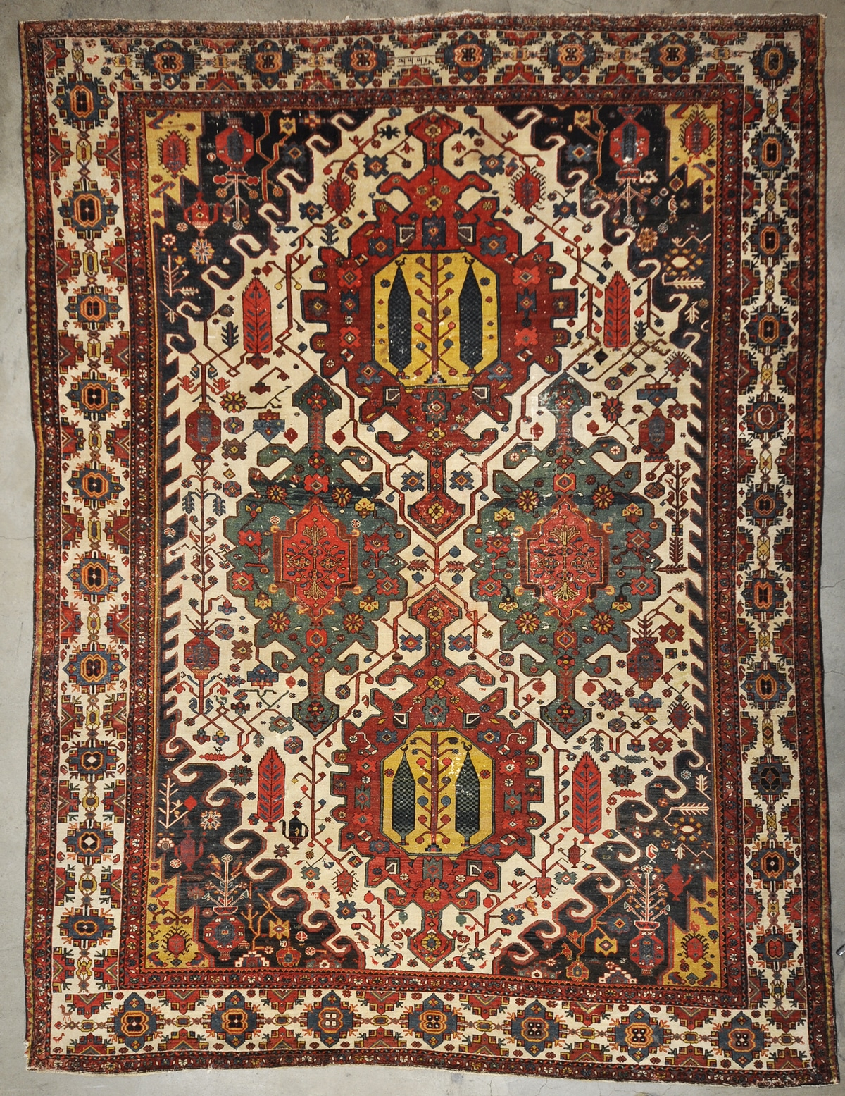 Antique Baktiari rugs and more oriental carpet 34012-
