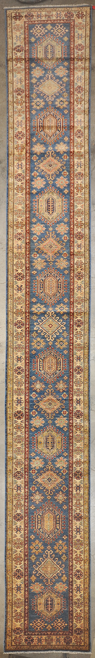 Caucasian Kazak rugs and more oriental carpet 34114-