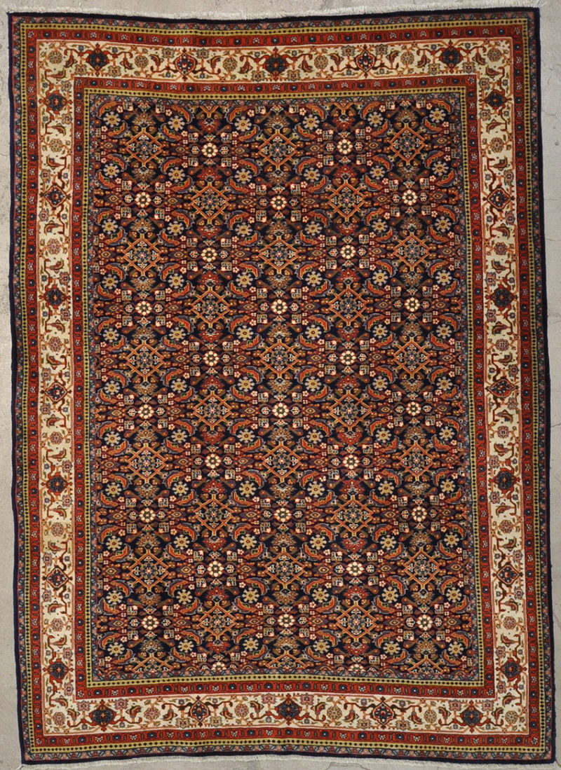 Vintage Herati Rug hand made from natural wool and organic dyes 5'6x7'8