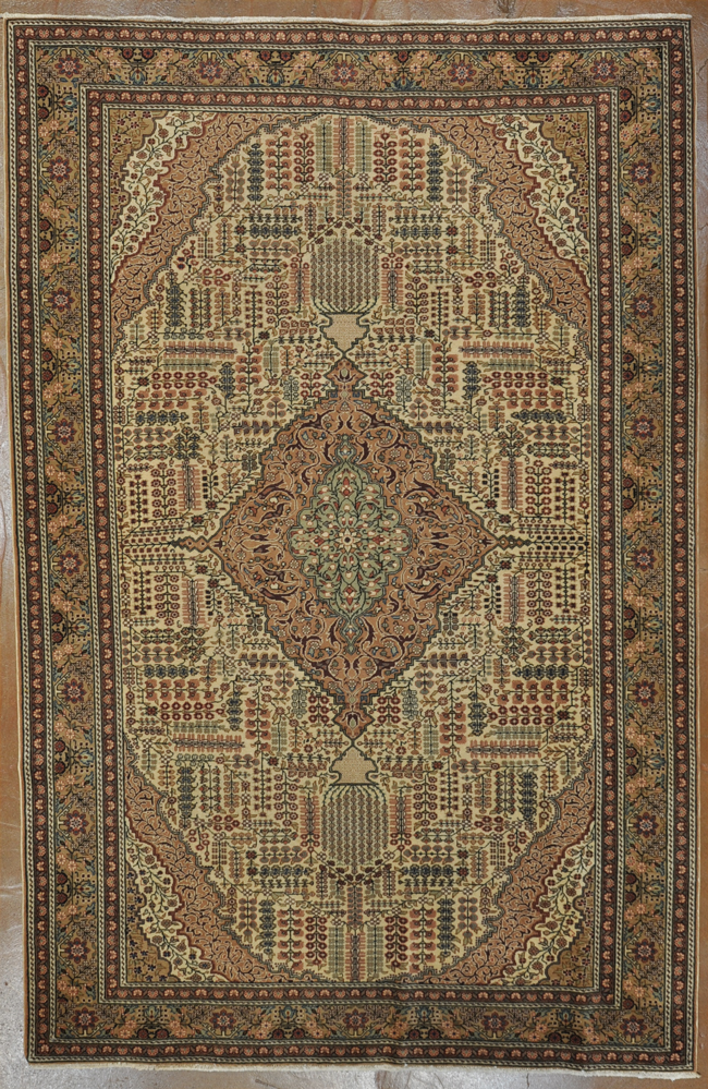 Antique Hereke rugs and more oriental carpet -